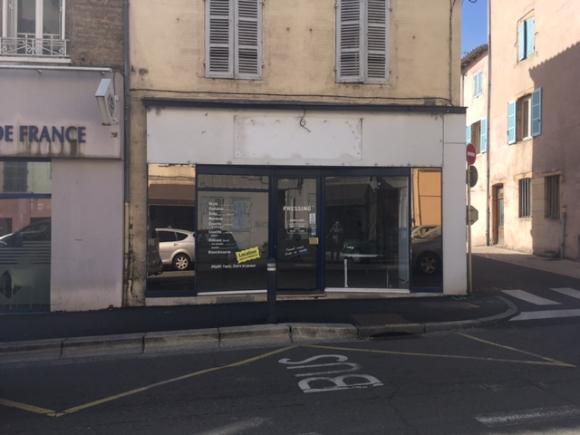 A VENDRE - MACON CENTRE- Local commercial.