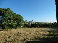 1500 m² environ de terrain constructible compris dans la propriété